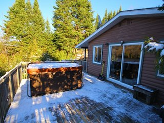 Beautiful 3 bedroom Chalet in Saint-Adolphe-d'Howard - Saint-Adolphe-d'Howard vacation rentals