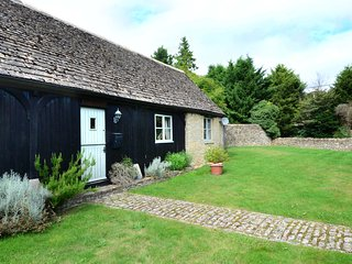 2 bedroom Cottage with Internet Access in Ramsden - Ramsden vacation rentals