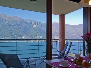 Bright Condo with Internet Access and Central Heating - Tronzano Lago Maggiore vacation rentals