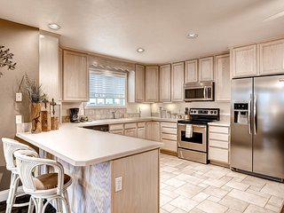 Extremely Quiet, Clean Beautiful - Arvada vacation rentals