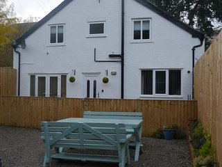 Lovely Cottage with Internet Access and Washing Machine - Colwyn Bay vacation rentals