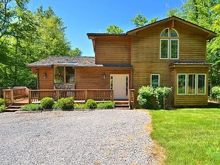 "Custom Cedar Home - ""Silver Thorne"" - close to ski slopes - Davis vacation rentals"