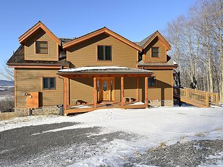 Log home, stunning mountain views, slopeside - Davis vacation rentals
