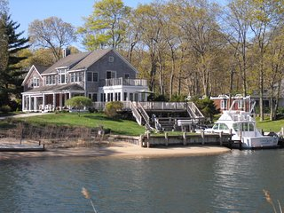 Waterfront Charmer on idyllic Shelter Island - Shelter Island vacation rentals