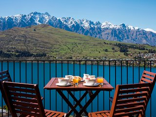 Views on Tussock, Queenstown luxury holiday home - Queenstown vacation rentals