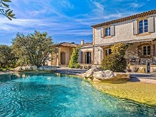 Mas de la Verdiere, Sleeps 8 - Saint-Remy-de-Provence vacation rentals