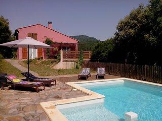 Cozy 3 bedroom Olargues Villa with Internet Access - Olargues vacation rentals