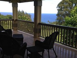 Spectacular Hamakua plantation house with ocean view & free wi-fi - Honokaa vacation rentals