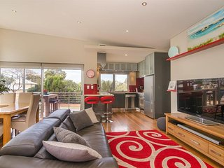 Freo Apartment on Preston - East Fremantle vacation rentals