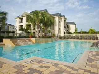 Pool View 2 Bedroom/2 Bath Condo in The Woodlands 21SC8 - Conroe vacation rentals