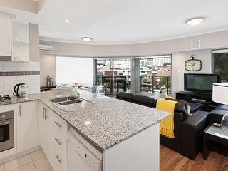 3 bedroom Apartment with Internet Access in West Leederville - West Leederville vacation rentals