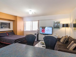 1 bedroom Condo with Shared Outdoor Pool in Perth - Perth vacation rentals