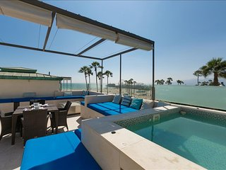 Gorgeous Villa with Internet Access and A/C - Santa Monica vacation rentals