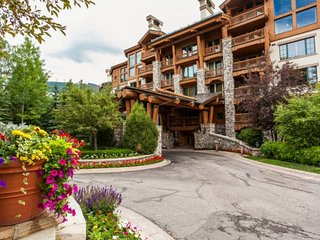Elkhorn Lodge Condo: Ski In/Ski Out, 2 Master Suites, Fitness Ctr, Dial A Ride - Beaver Creek vacation rentals