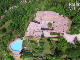Spacious 6 bedroom Penna in Teverina Villa with Internet Access - Penna in Teverina vacation rentals