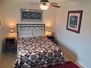 Joshua Tree TYPE Inn - whole house w/ fenced yards - Joshua Tree vacation rentals