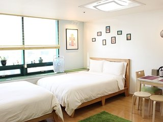 #2 Taylor House ※Hongdae Univ Stn 1min (Eng,中,日) - Goyang-si vacation rentals