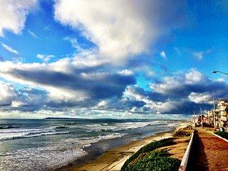 OCEANVIEWS > Walk to DOWNTOWN > BEACH> Boardwalk > CA$INO > Mall > - Tijuana vacation rentals