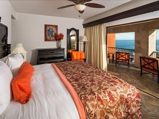 Encanto Ocean View Studio with King Size Bed and Breakfast for 2 Guests - Cabo San Lucas vacation rentals