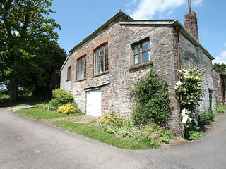 Barn Cottage, Brayford - Barn Cottage - Sleeps 5 - edge of Exmoor - wonderful - Bratton Fleming vacation rentals