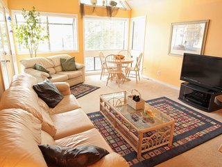 Bright and Sunny... Tastefully Decorated 25603 - Myrtle Beach vacation rentals