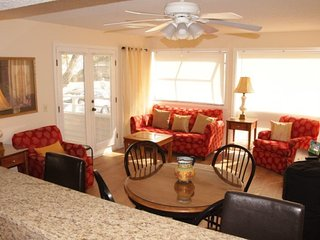Newly Renovated Myrtle Beach Condo, New Everything, 2 Pools, 1 Block to Beach - Myrtle Beach vacation rentals