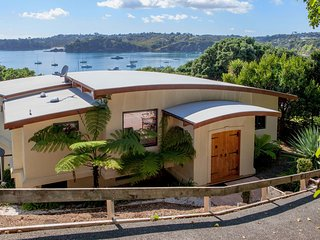Absolute Beachfront Oneroa Bay - Oneroa vacation rentals