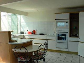 Lovely 3 bedroom Onetangi House with Internet Access - Onetangi vacation rentals