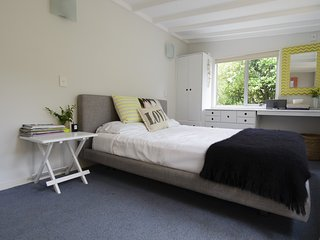 Nice 2 bedroom Surfdale Cottage with Internet Access - Surfdale vacation rentals