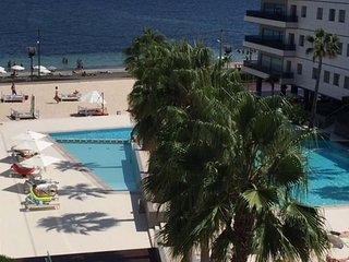 Perfect Condo with Internet Access and A/C - Playa d'en Bossa vacation rentals