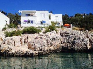Private suites Novi Vinodolski 7200 1-room-suite - Novi Vinodolski vacation rentals