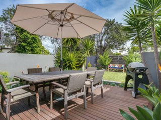 Front Beach Shack - renovated house in a quiet location - Blairgowrie vacation rentals