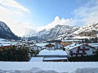Penthouse Harmony Kaprun / glacier view - Zell am See vacation rentals