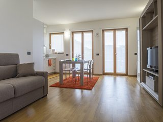 Romantic 1 bedroom Province of Milan Apartment with Internet Access - Province of Milan vacation rentals