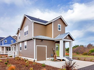 What'a Beach Cottage at Oyhut Bay Resort - Ocean Shores vacation rentals
