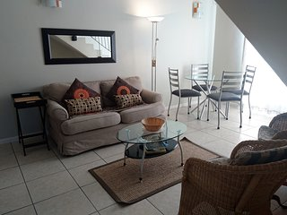 Beautiful Condo with A/C and Satellite Or Cable TV - Century City vacation rentals