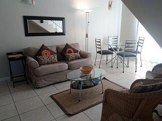 Beautiful 2 bedroom Vacation Rental in Century City - Century City vacation rentals
