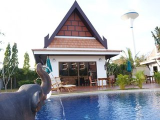 Pool Villa for sell on nice beach road, house 2-3 bed VIP Chain Resort - Ban Phe vacation rentals