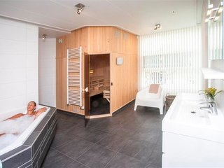 Cozy 3 bedroom House in Joure with Tennis Court - Joure vacation rentals