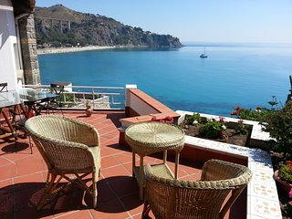 Nice House with A/C and Housekeeping Included - Staletti vacation rentals