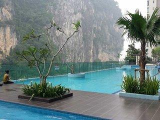 Amara 3B2BR Condo 100m fm Batu Caves Komuter - Tangkak vacation rentals