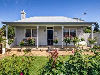 Comfortable 2 bedroom House in Port Fairy with A/C - Port Fairy vacation rentals