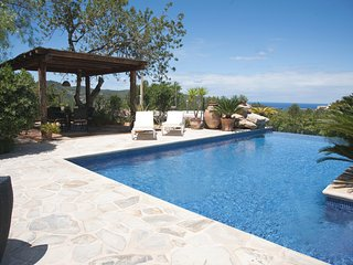 ET-0507E Luxury villa for 10 persons - San Agusti des Vedra vacation rentals
