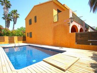 C42 TERRACOTA adosado con jardín privado y piscina - Montroig vacation rentals