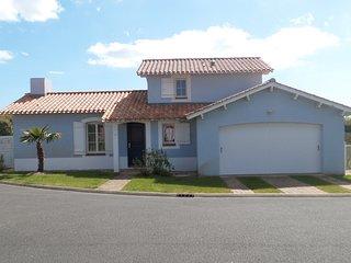 Villa Saphir 55 - Saint Gilles Croix de Vie vacation rentals