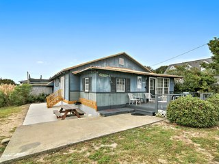 Ancient Mariner - Rustic Beach House with Hot Tub - Murrells Inlet vacation rentals