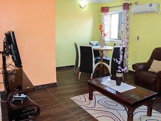 2 bedrooms flat, 2 toilets & bathrooms, kitchen, - Douala vacation rentals