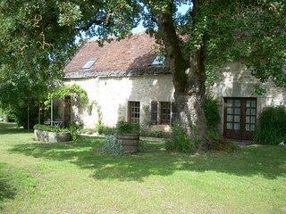 L'Erable du Quercy, Gite de charme avec piscine - Saint Projet vacation rentals