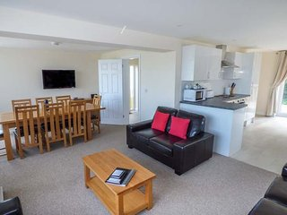 SALTERNS 4, dog-friendly accommodation, off road parking, next to nature reserve, in Seaview - Seaview vacation rentals