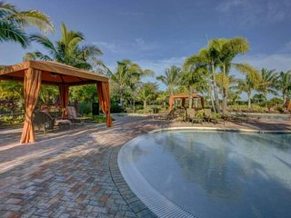Esplanade by Siesta Key Villa near Siesta Key bridge in gated complex with pool, tennis, etc. - Sarasota vacation rentals